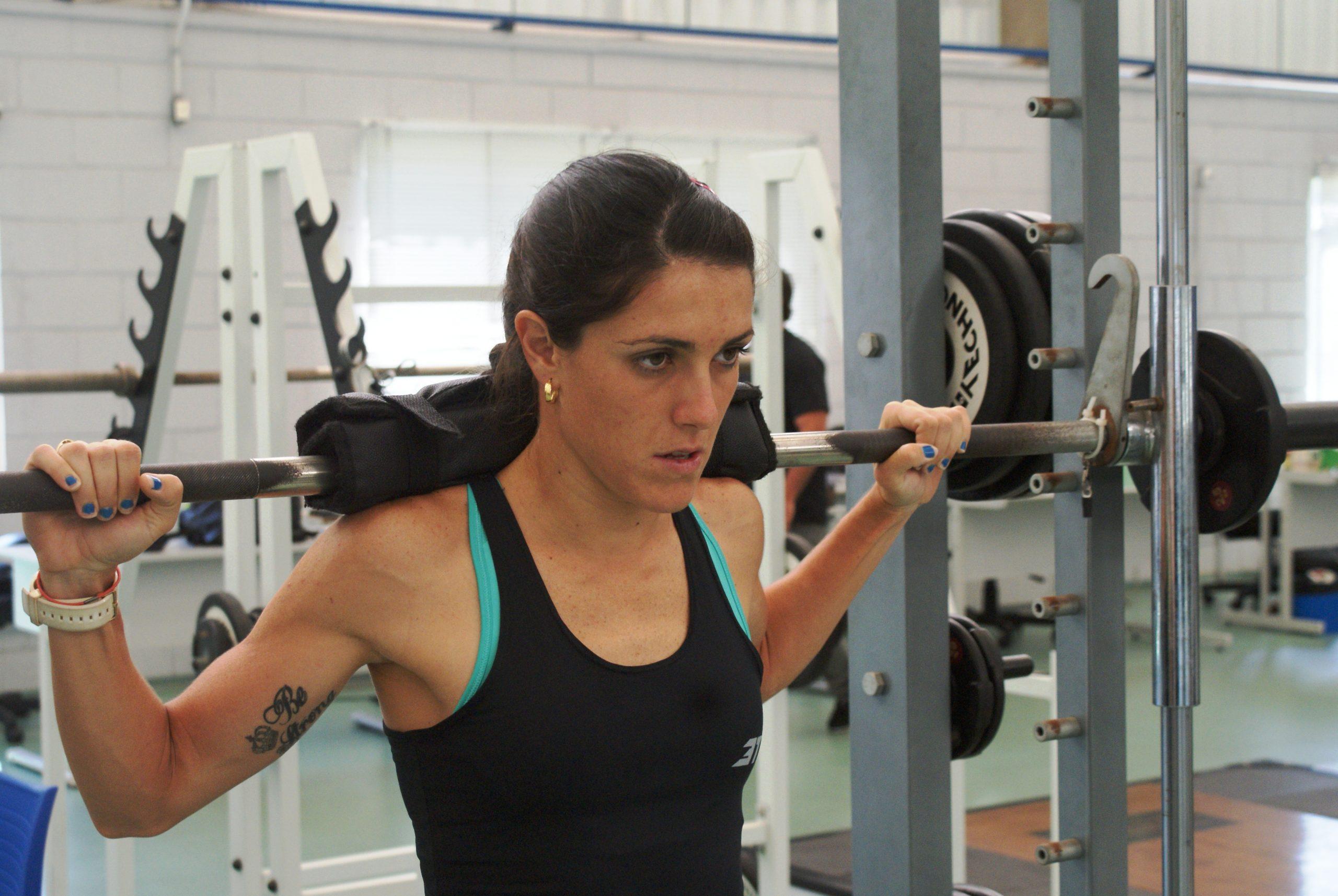 Triatletas passam por avaliação de força e potência