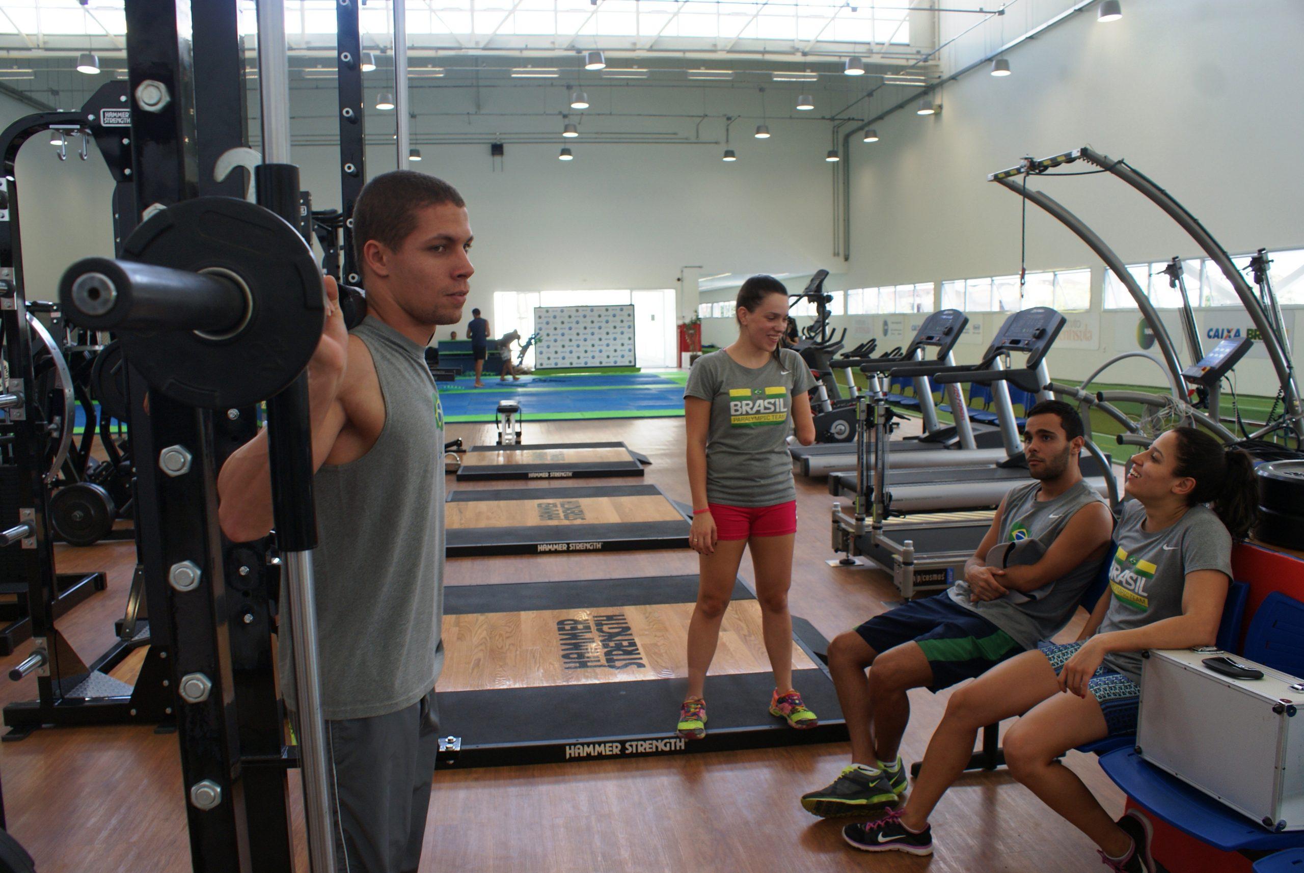 Ainda em busca da vaga nos Jogos Parapan-Americanos, seleção de natação paralímpica passa por testes no NAR