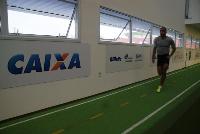 Velocistas da seleção de jovens paralímpicos são avaliados