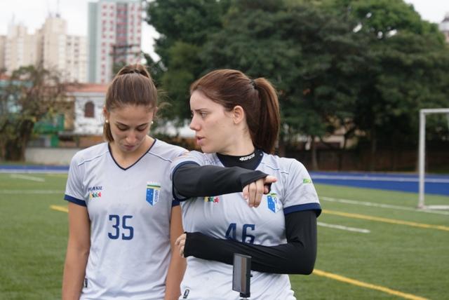 Seleção universitária de handebol feminino passa pelos mesmos testes que a seleção principal