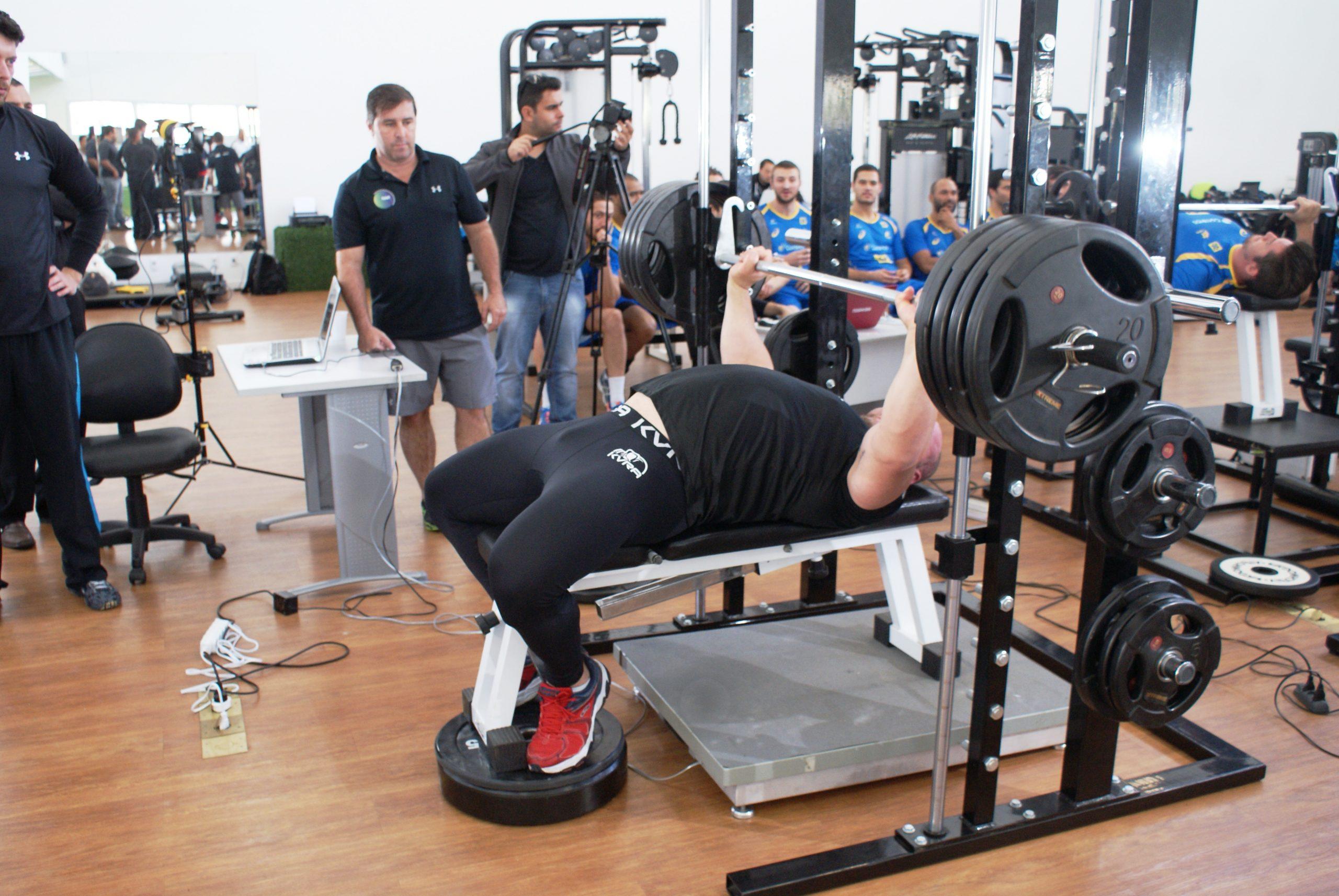 Brasileiro melhor colocado no World's Strongest Man participa de gravação no NAR