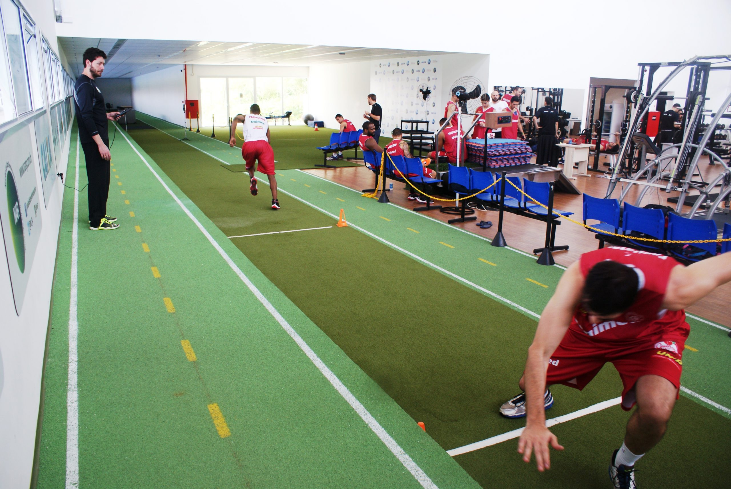 Uma semana antes da NBB, equipe de basquete do Clube Paulistano é avaliada no NAR
