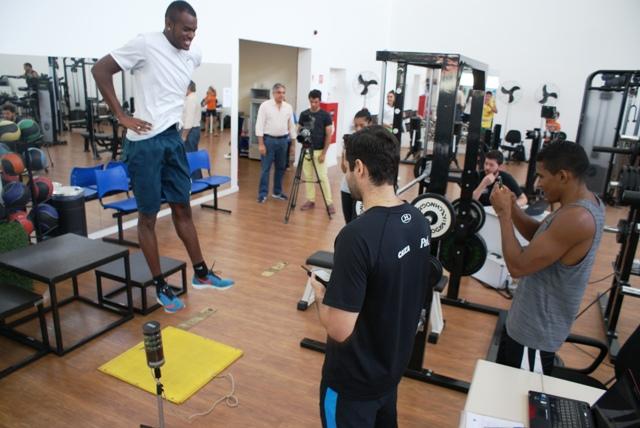 Homem mais rápido do Brasil é avaliado no NAR
