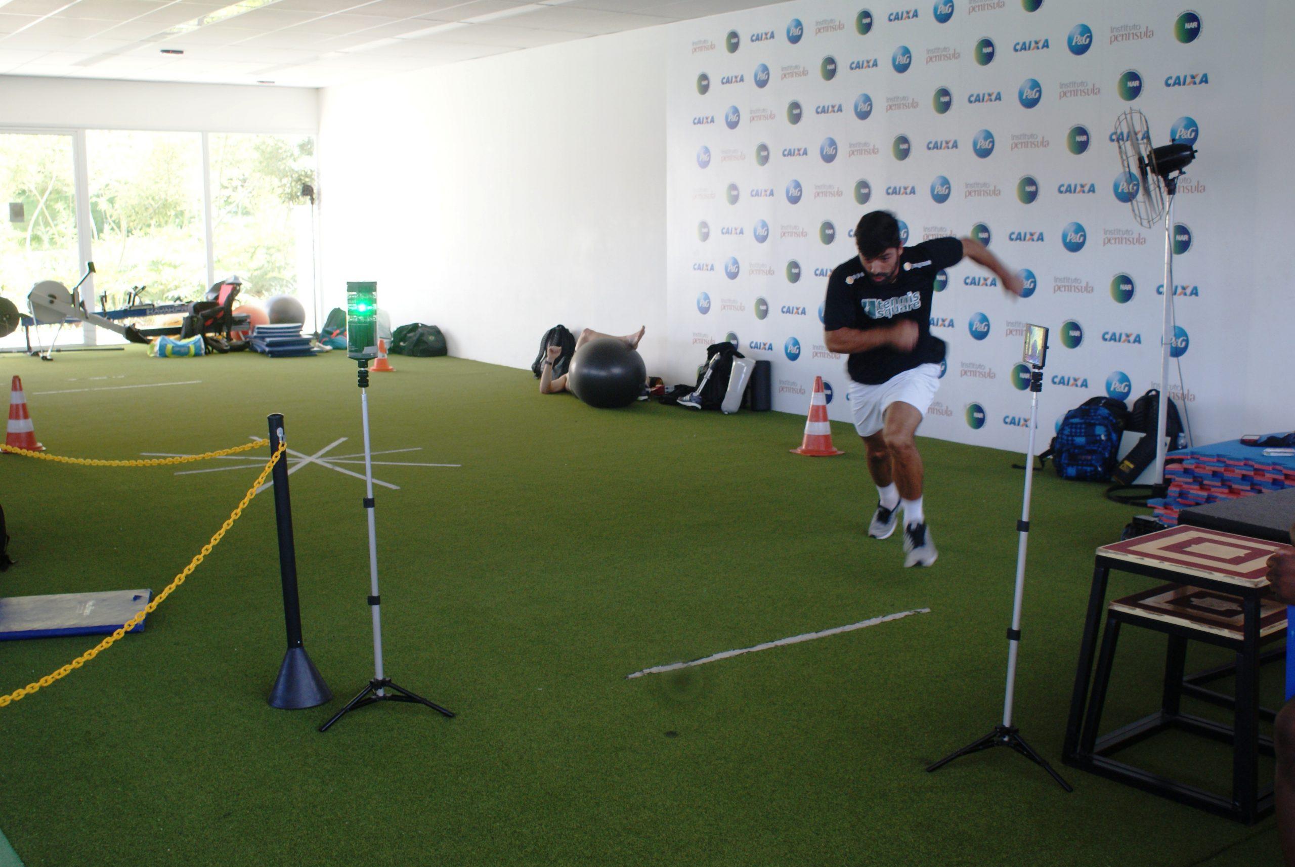 Tenistas Tiago Lopes e Ighor Reis se preparam para torneis internacionais