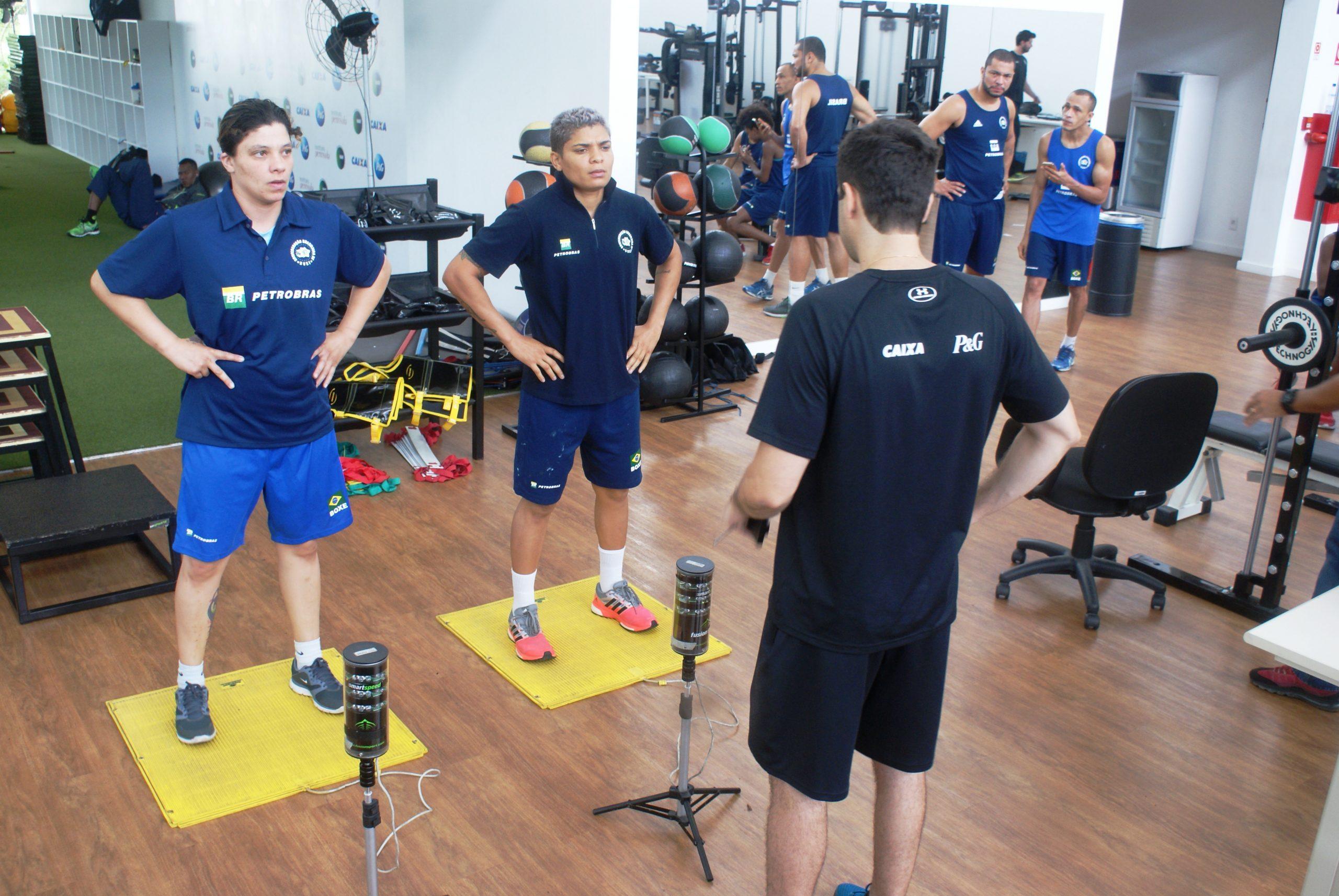 Seleção olímpica de boxe é avaliada no NAR
