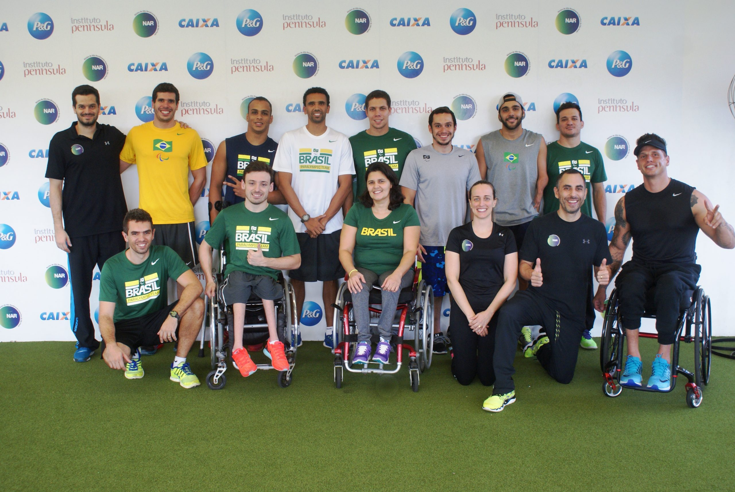 Seleção de natação paralímpica continua preparação rumo às Paralimpíadas no NAR