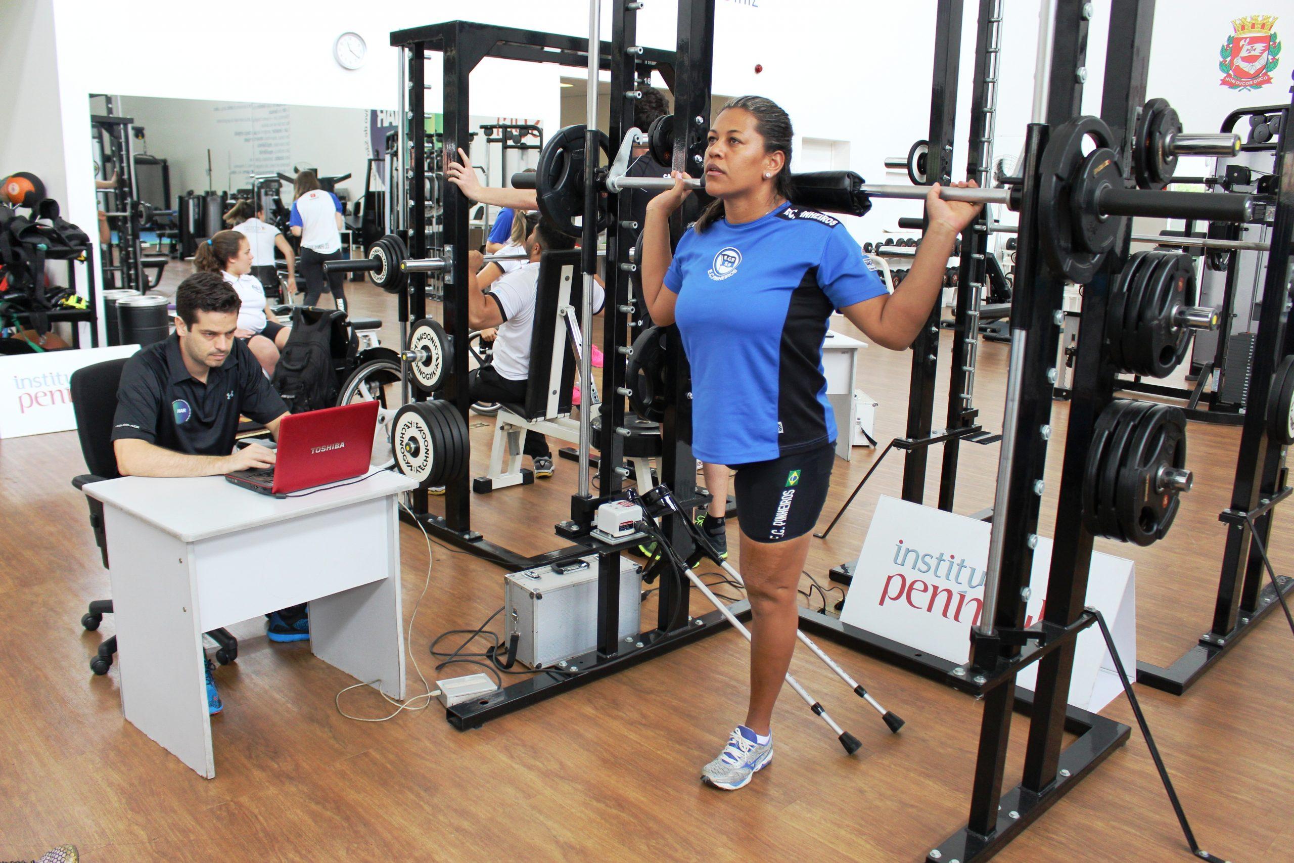 Com a presença da representante brasileira nos Rio-2016, equipe de remo paralímpico do Clube Pinheiros é avaliada no NAR-SP