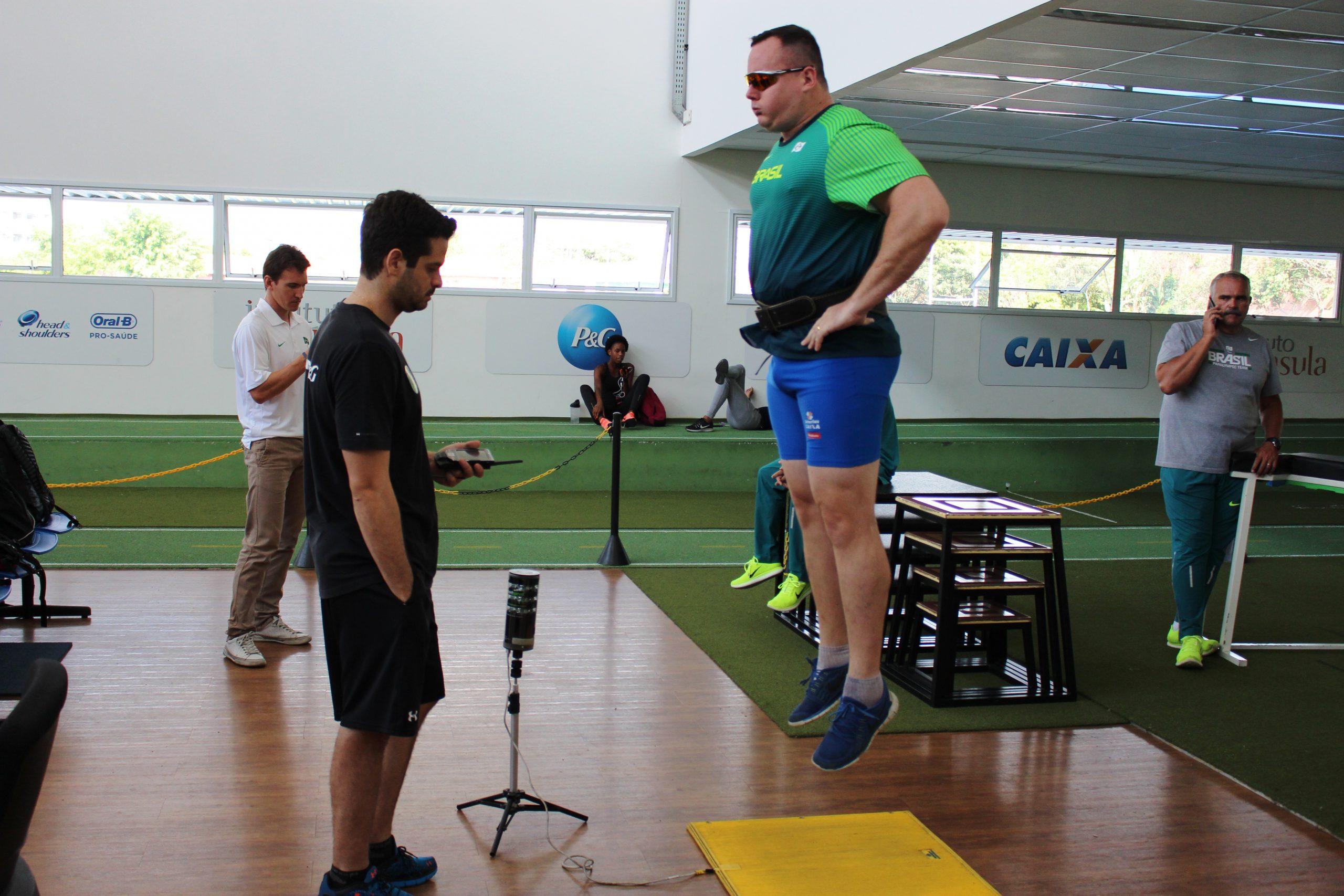 Lançadores paralímpicos que representaram o país no Rio-2016 são avaliados no NAR-SP