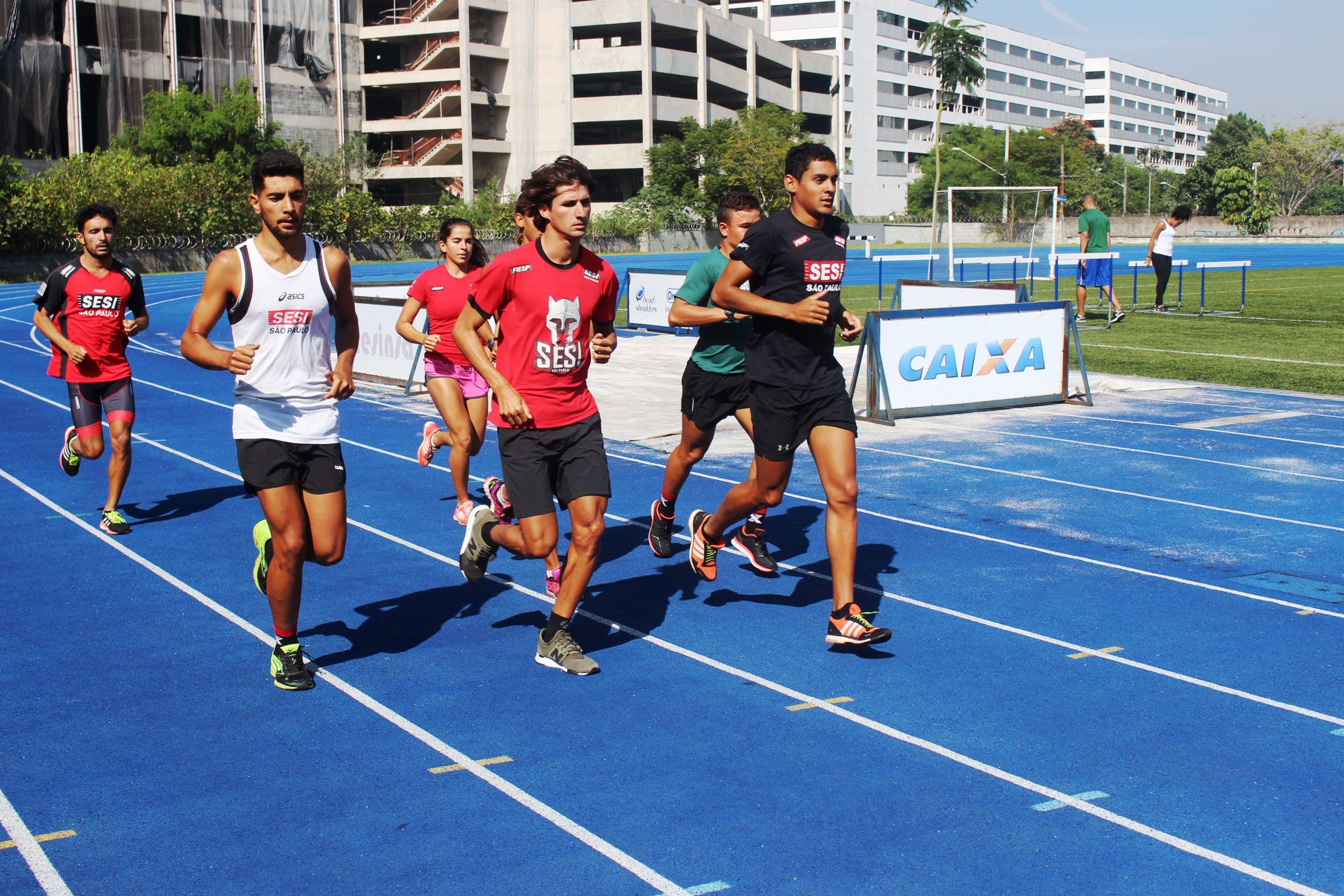 Equipe SESI-São Paulo de triatlo se prepara para Campeonato Brasileiro no NAR-SP