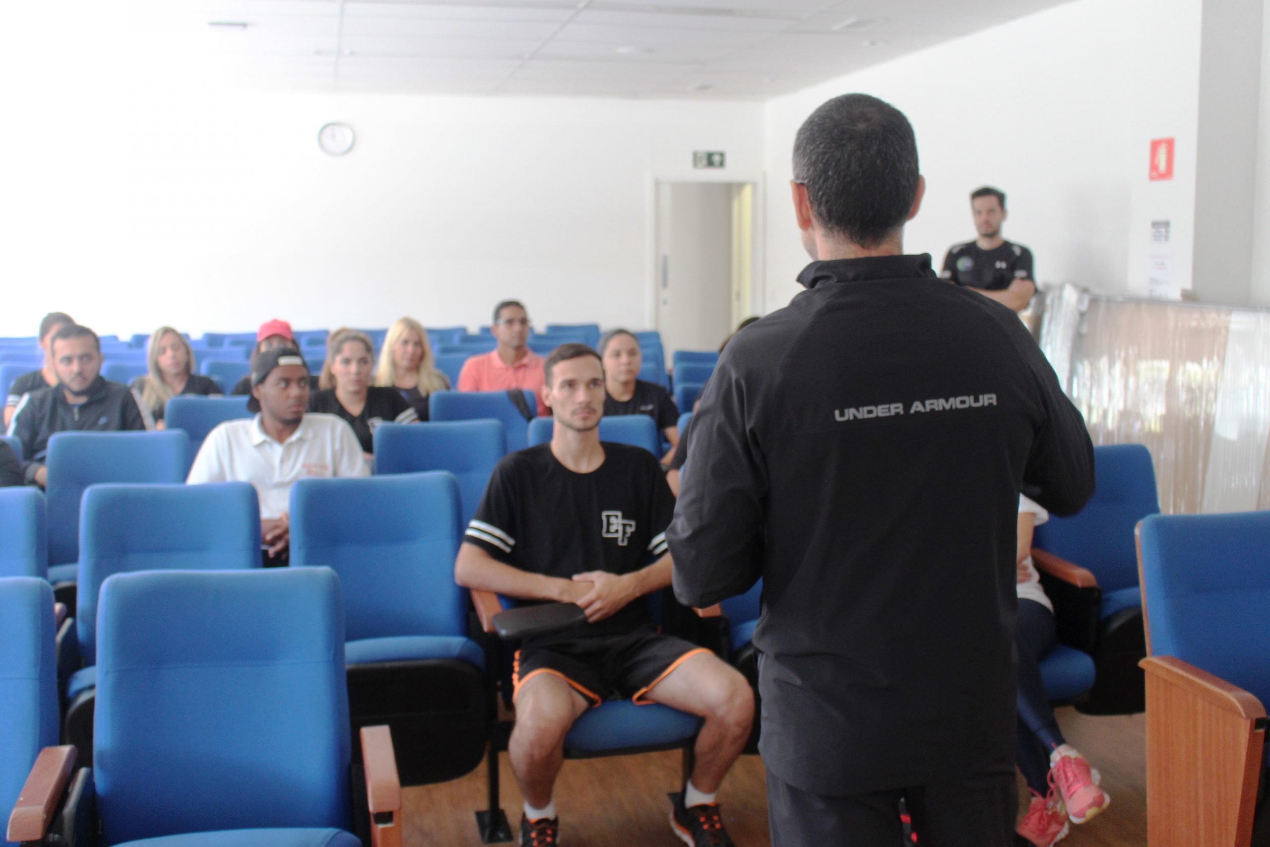 Alunos de Educação Física da Faculdade de São Sebastião visitam o NAR-SP