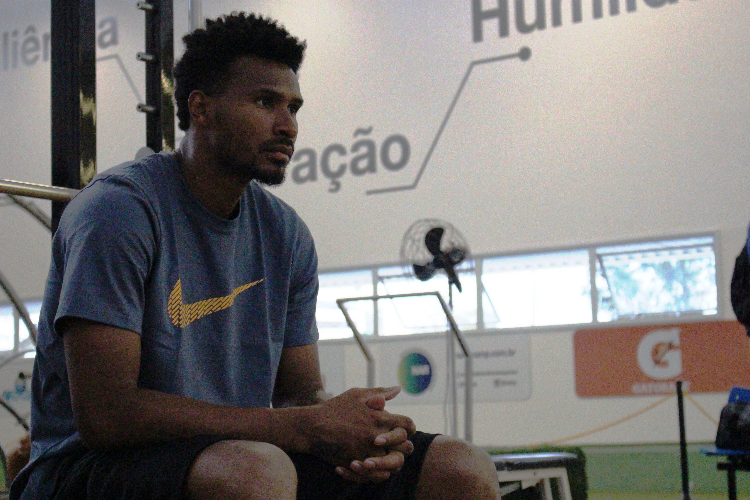 Leandro Barbosa aproveita período no Brasil para treinar no NAR-SP