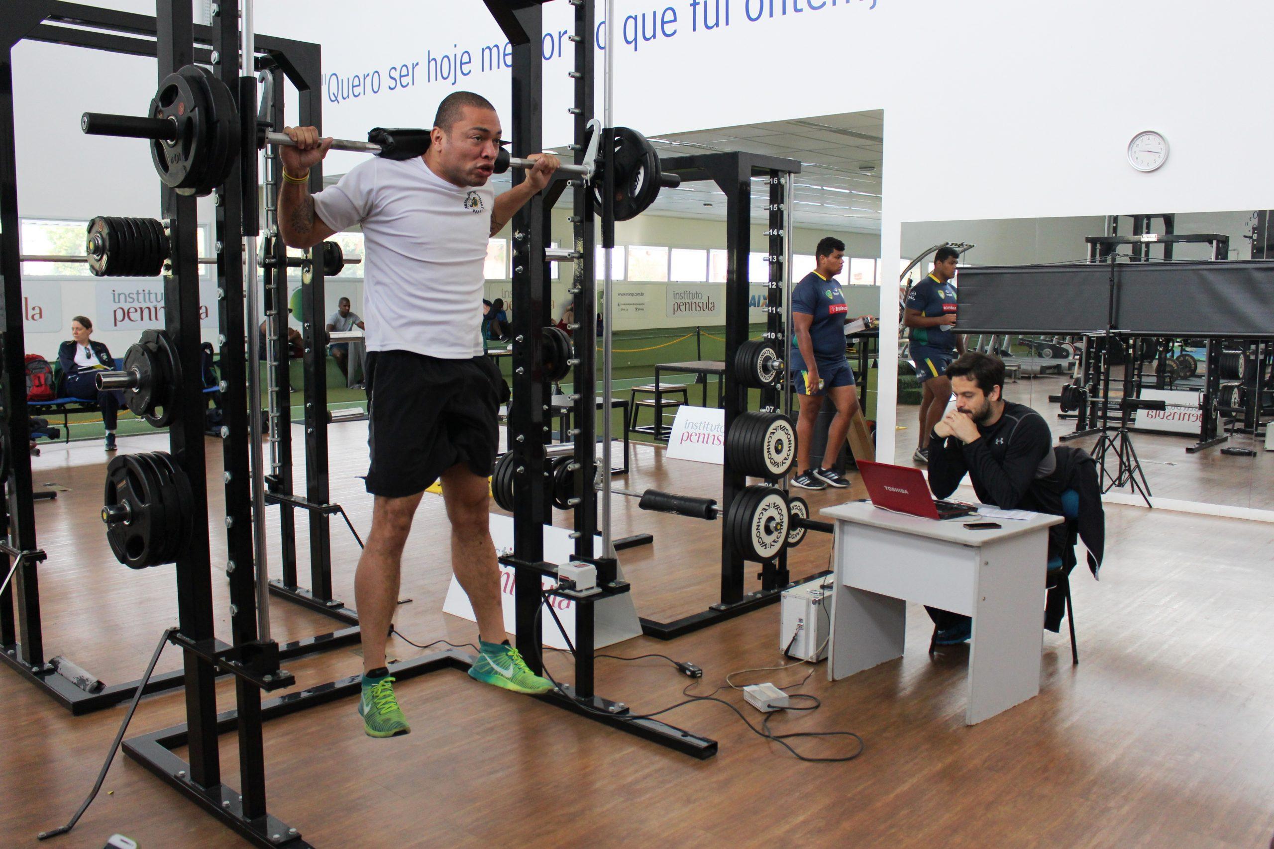 Em preparação para o Mundial, seleção brasileira de boxe é avaliada no NAR-SP