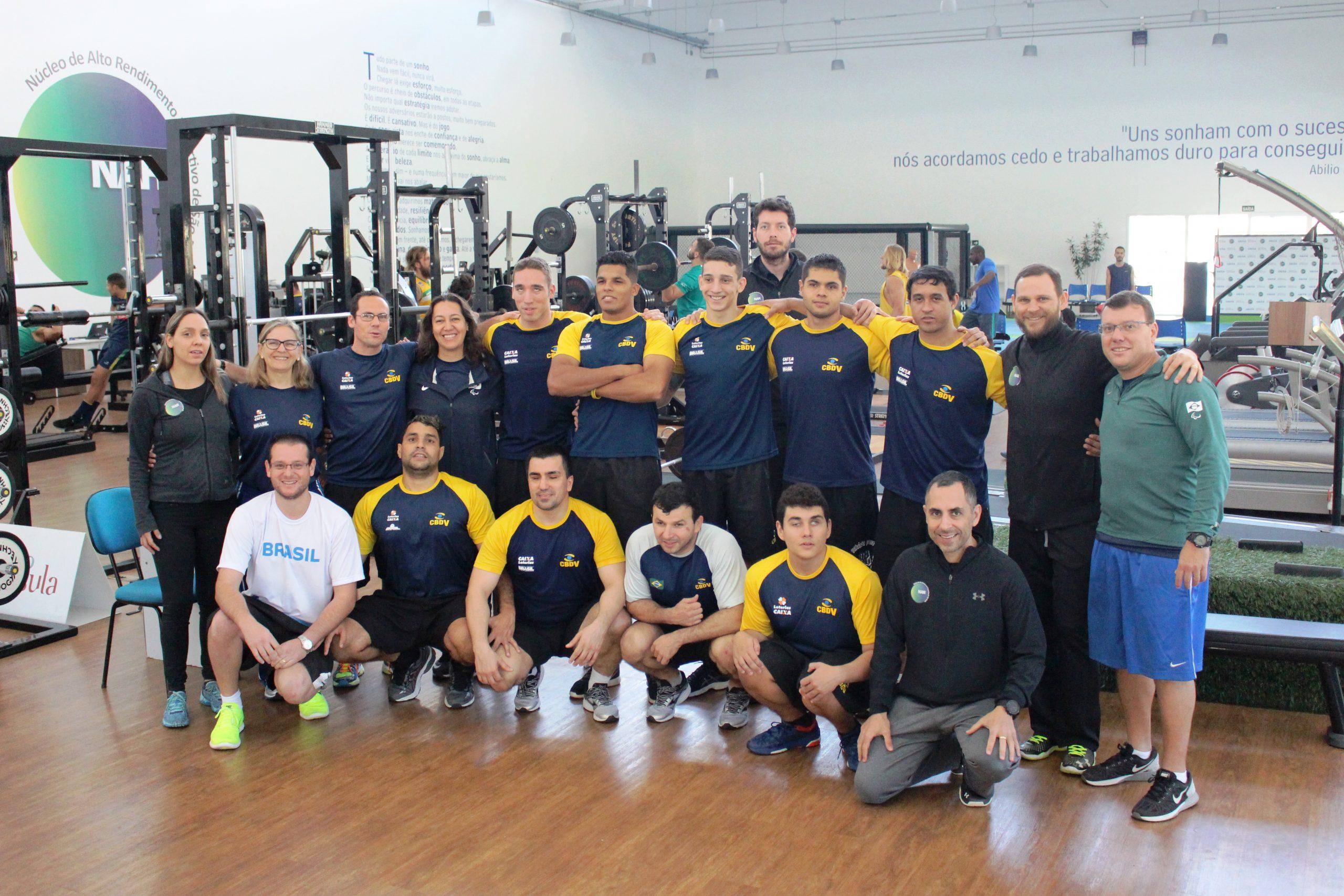 Medalhista nos Jogos Paralímpicos, seleção masculina de goalball é avaliada no NAR-SP
