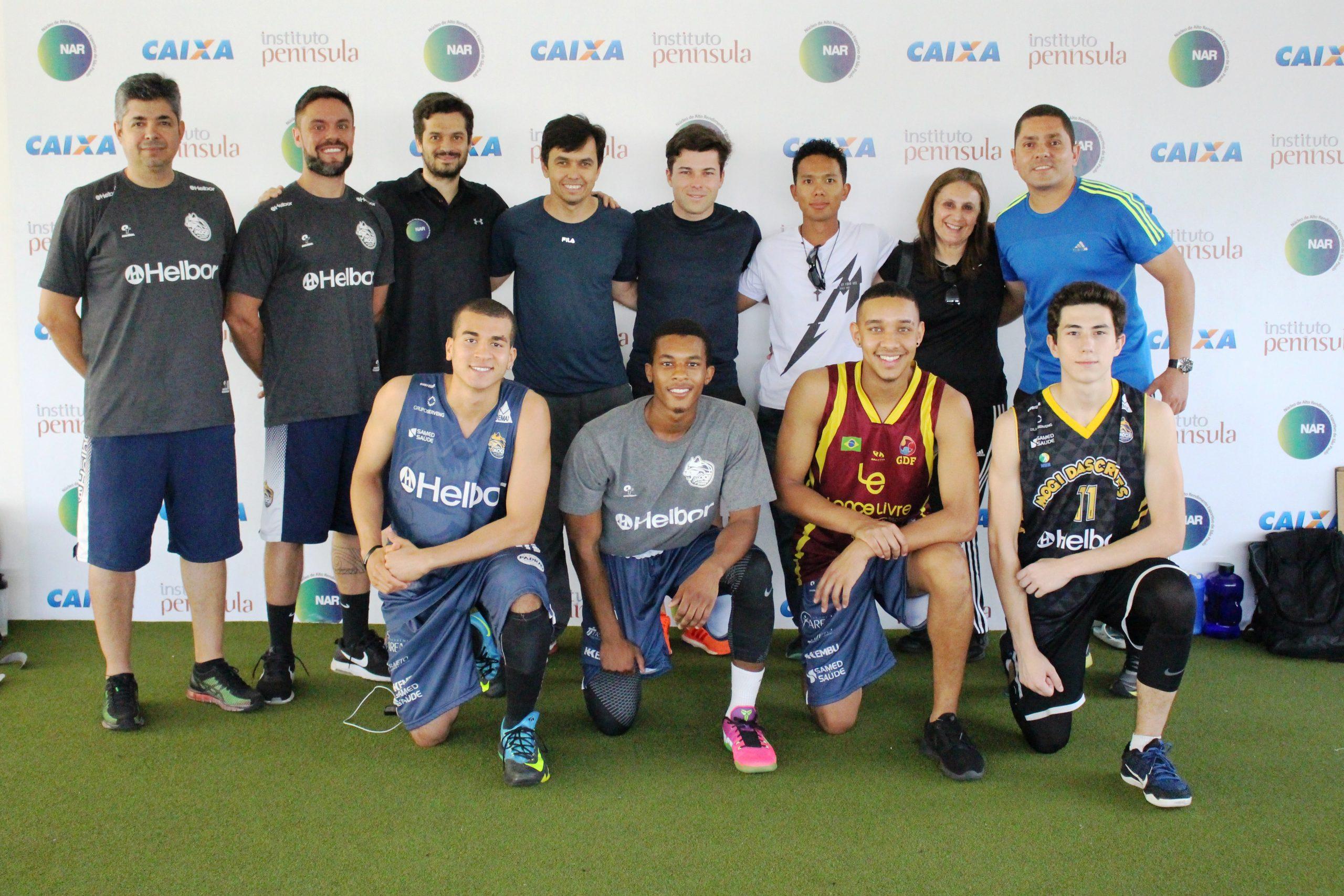 Disputando o Campeonato Paulista, equipe de basquete sub-19 de Mogi das Cruzes passa por avaliações no NAR-SP