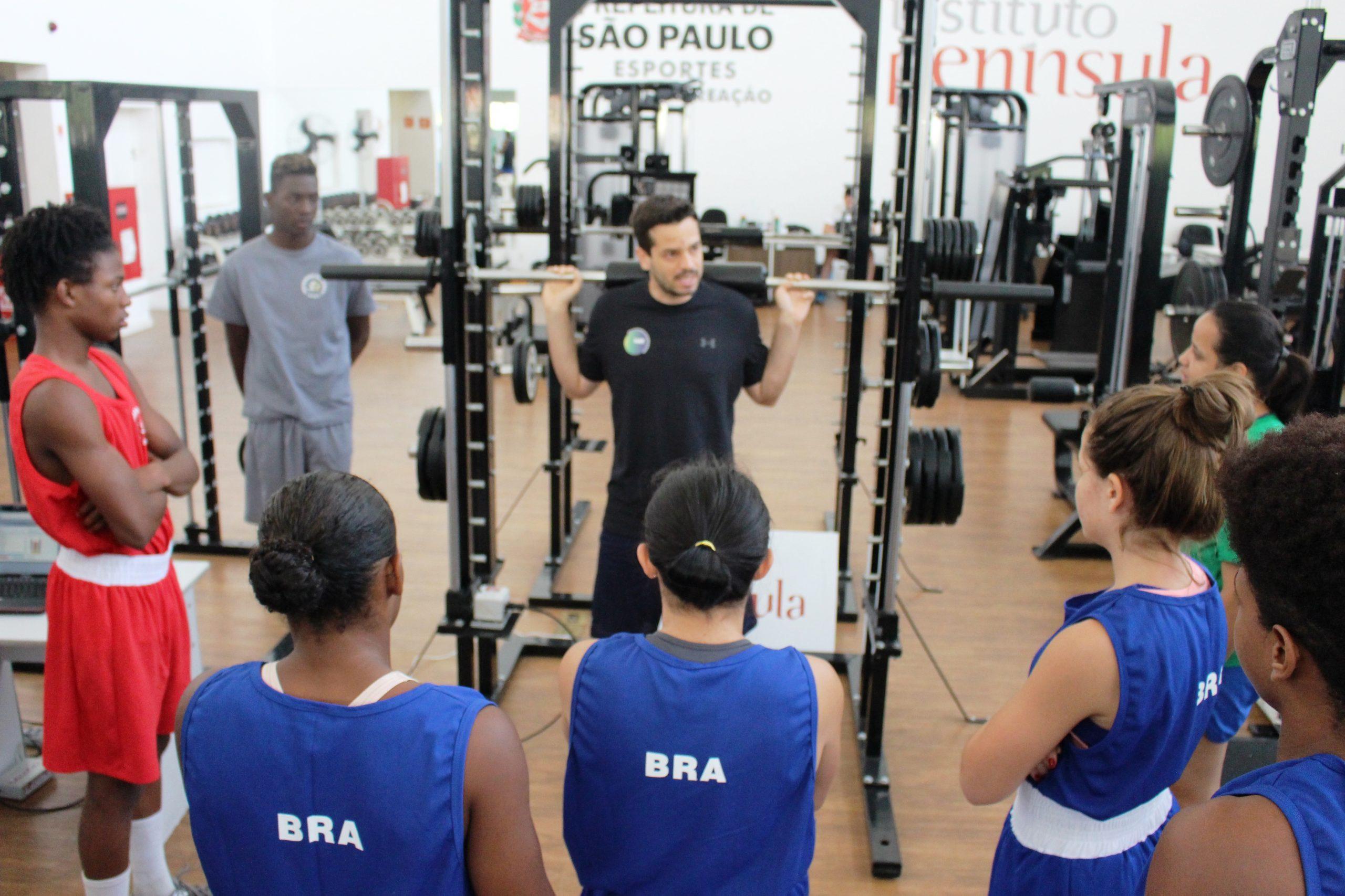 Em período de treinamentos com a CBB, seleção olímpica de boxe de base é avaliada no NAR-SP