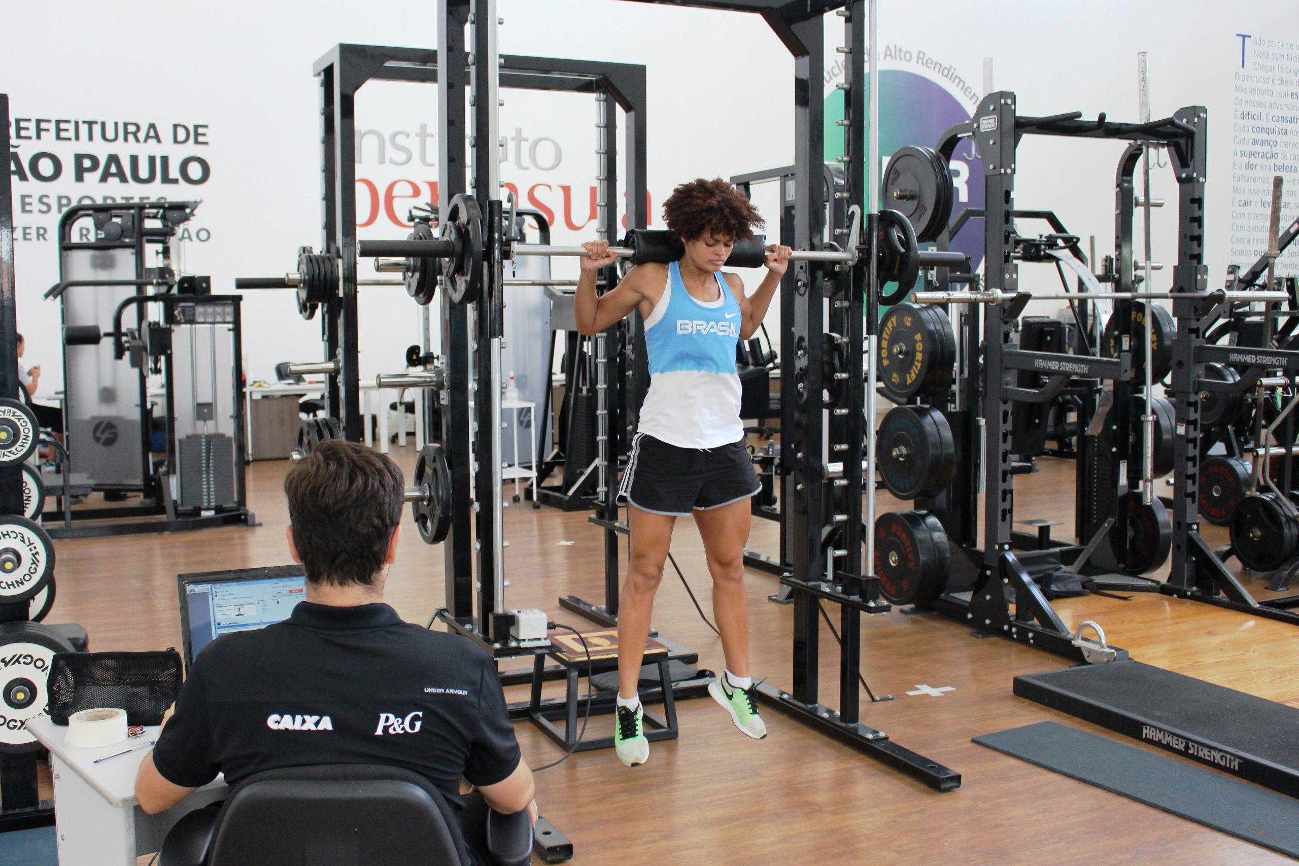 Esgrimista olímpica Bia Bulcão inicia preparação para 2018 no NAR-SP