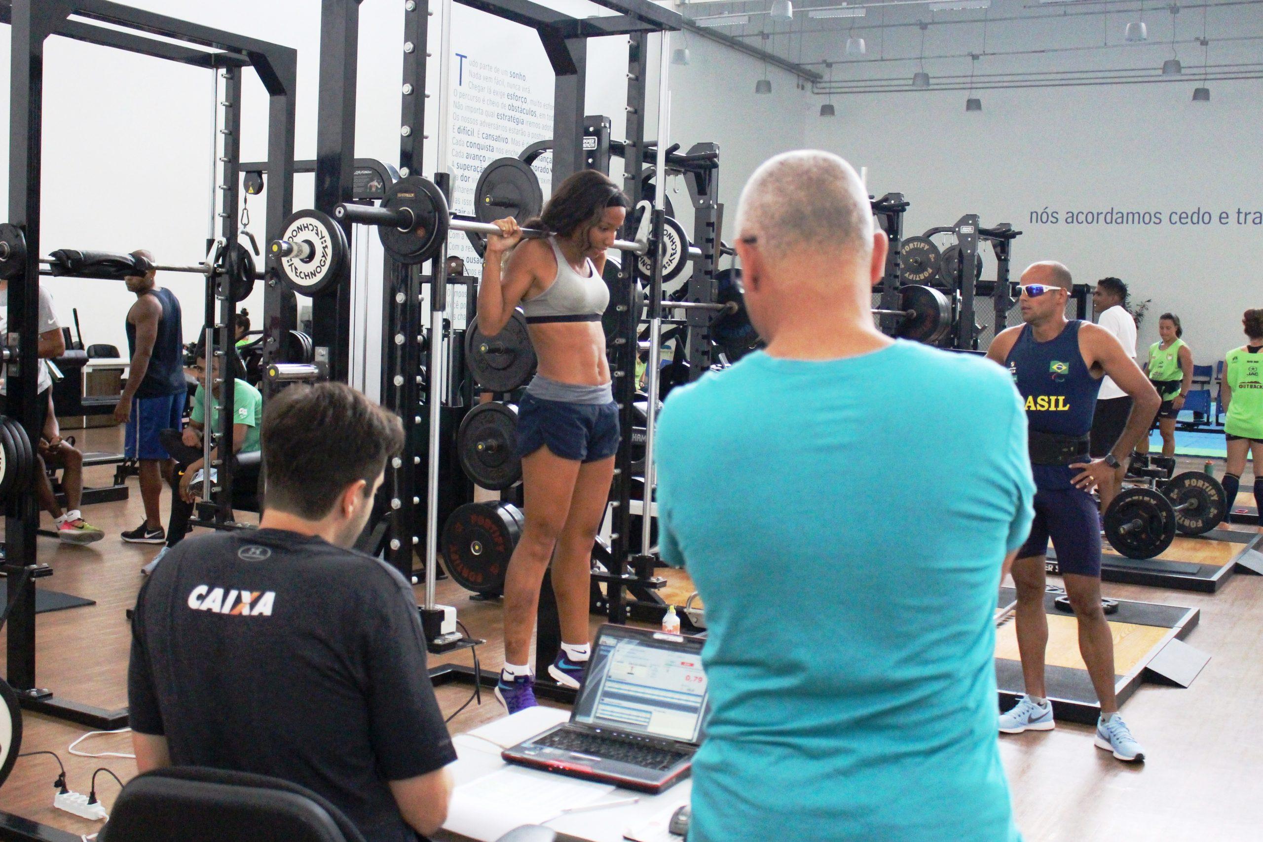 Em preparação para o Open Internacional, realizado em São Paulo, seleção paralímpica de atletismo passa por avaliações no NAR-SP