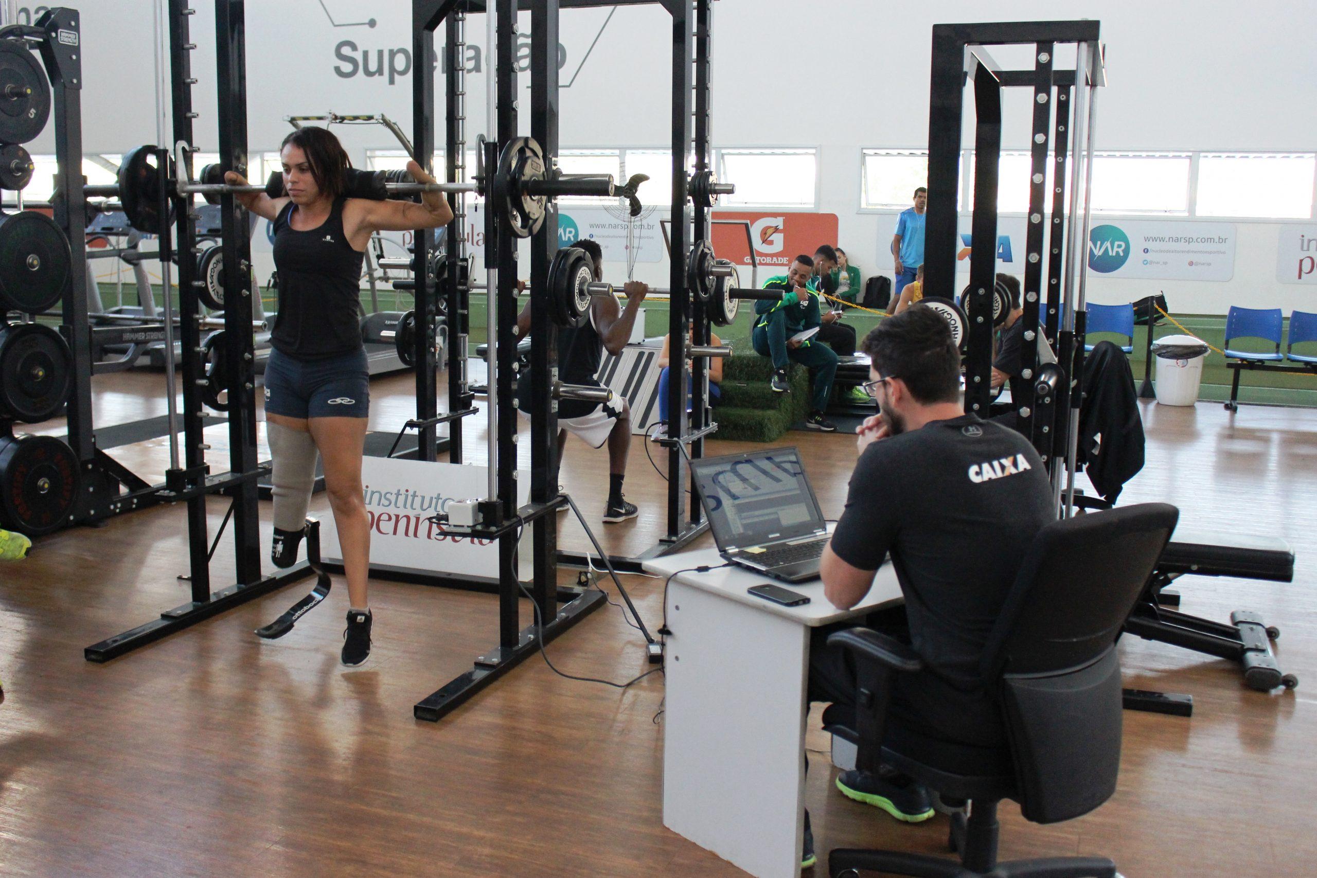Seleção paralímpica de atletismo passa por testes no NAR
