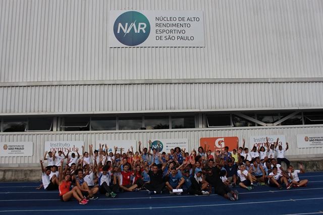 NAR recebe crianças para comemorar o Dia do Atletismo