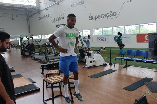 Róbson Conceição realiza testes no NAR