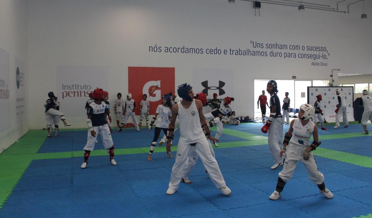 Equipes de Taekwondo se reúnem no NAR-SP