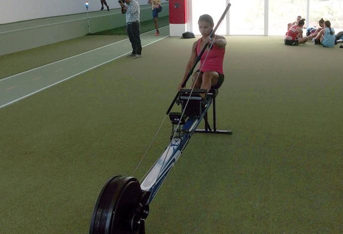 Engenheira e casada com o técnico, atleta quer ser pioneira na canoagem