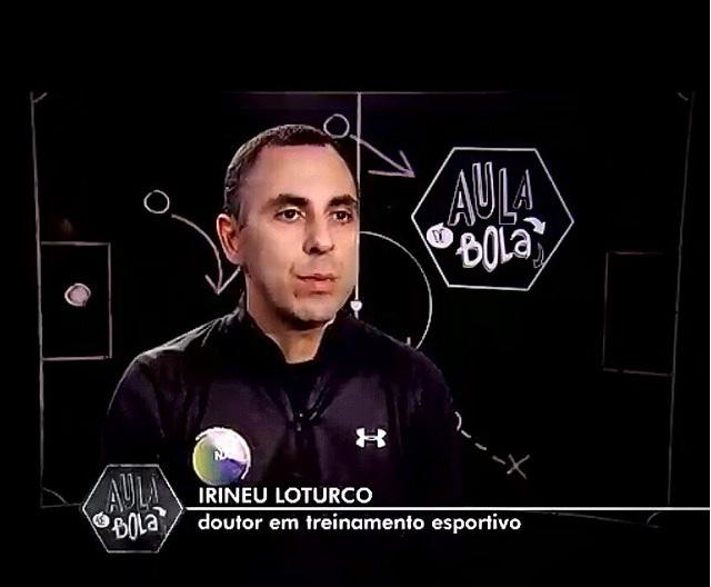 Aula de Bola: Irineu Loturco explica como grandes goleiros pegam pênaltis
