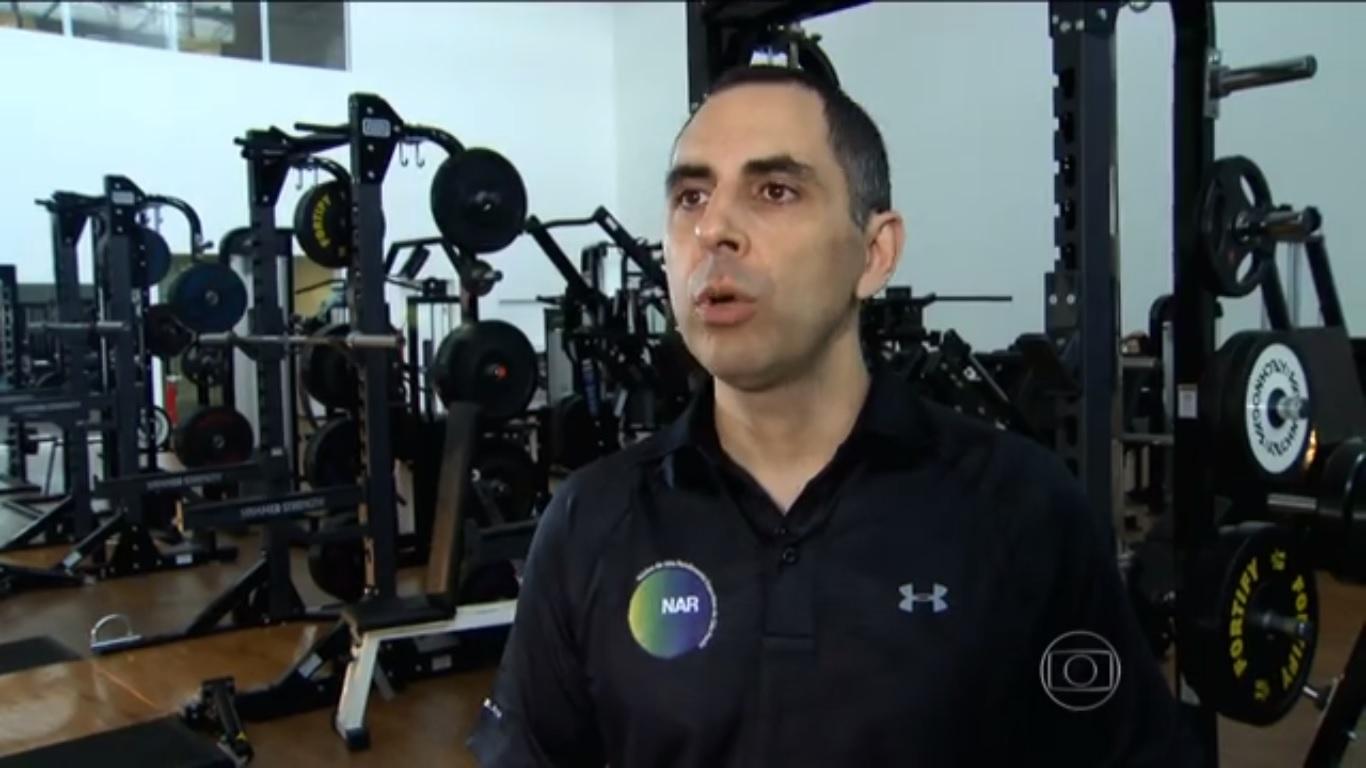Você e os Olímpicos: Supercarregador de peso aprende a técnica de uma modalidade olímpica