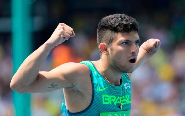 Corre, Petrúcio! O novo ídolo do Brasil nas pistas do atletismo