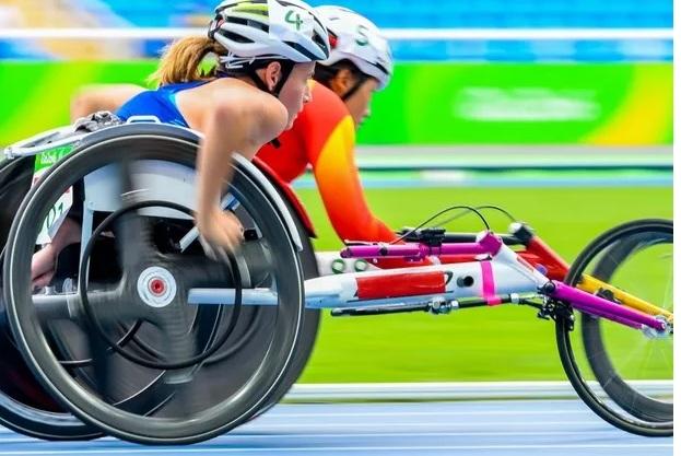 Semelhanças e diferenças que envolvem o universo dos atletas paralímpicos e o dos olímpicos