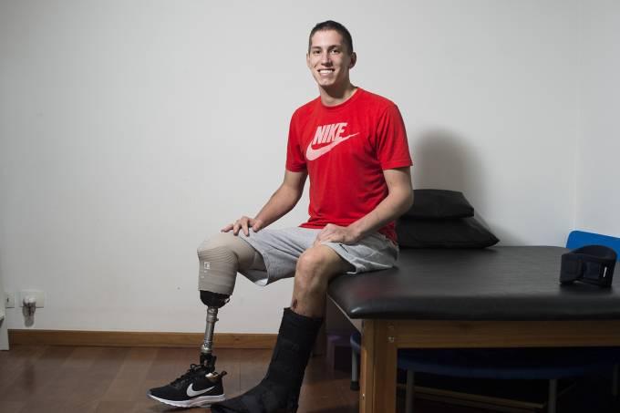Follmann, da Chapecoense, sonha com o esporte paralímpico