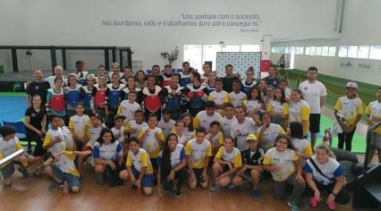 Passeio dos educandos do projeto Rugby em Três Tempos