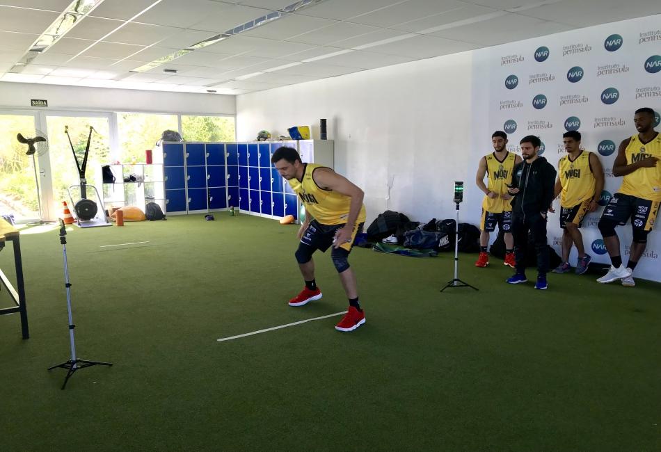 Mogi Basquete realiza testes físicos no NAR em SP