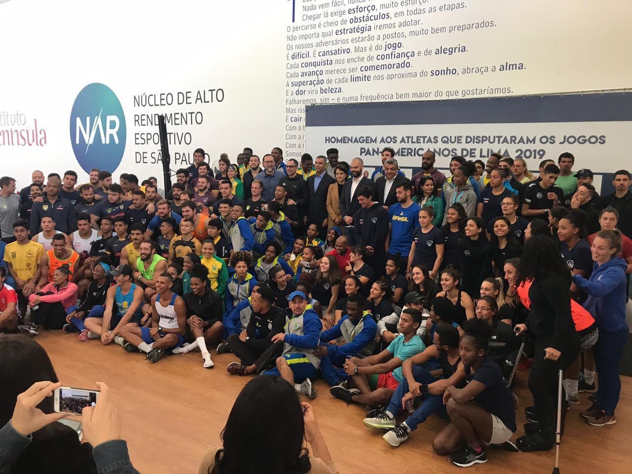 Atletas que disputaram os Jogos Pan-Americanos são homenageados no NAR