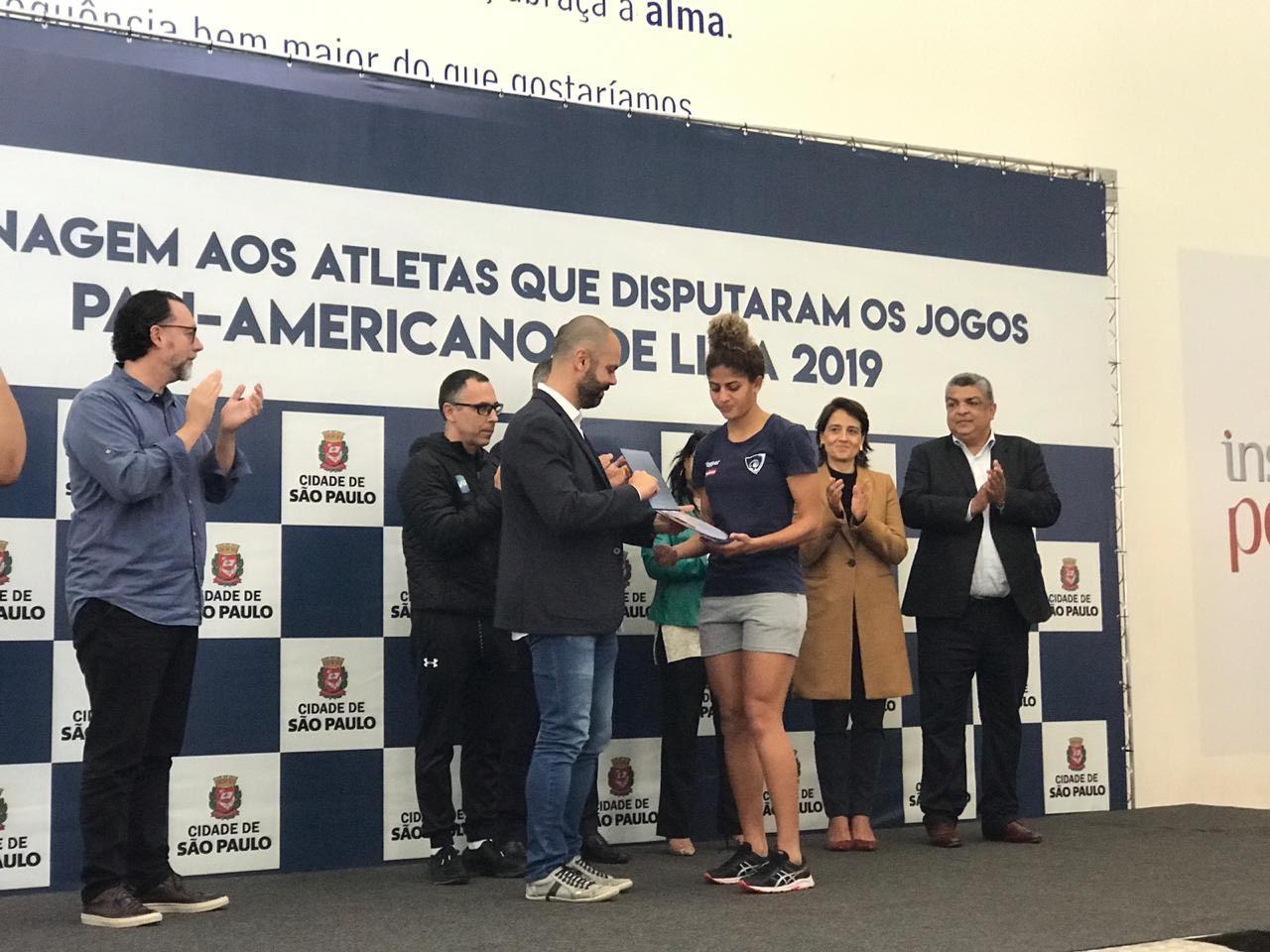 Atletas brasileiros que competiram no pan-americano são homenageados