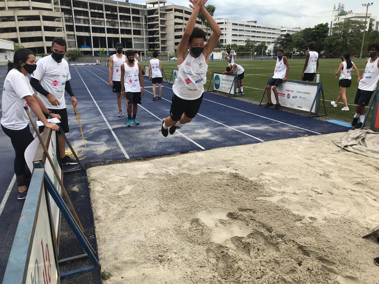 Medidas restritivas alteram a rotina de jovens promessas do atletismo